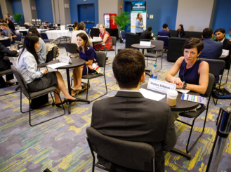 Mentoring Meetings at the Trainee and Early-Career Oncologist Member Lounge