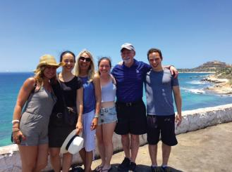 Photo of Dr. Rosen with his family in Cabo
